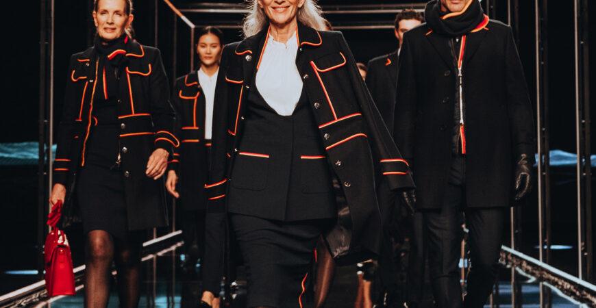 Desfile nuevos uniformes de Iberia by Teresa Helbig